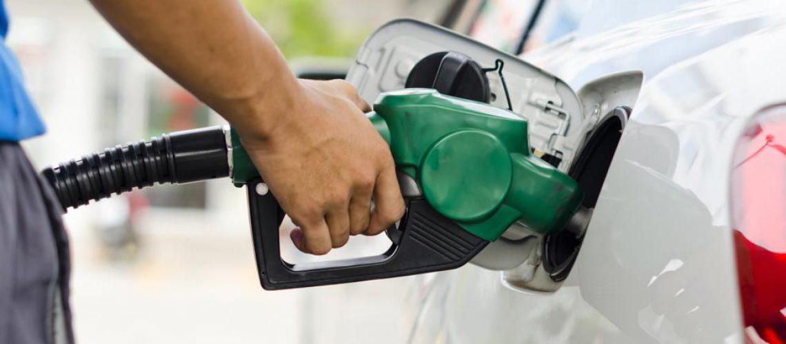 ¿Qué ocurre si escojo el combustible inadecuado cuando voy a repostar?